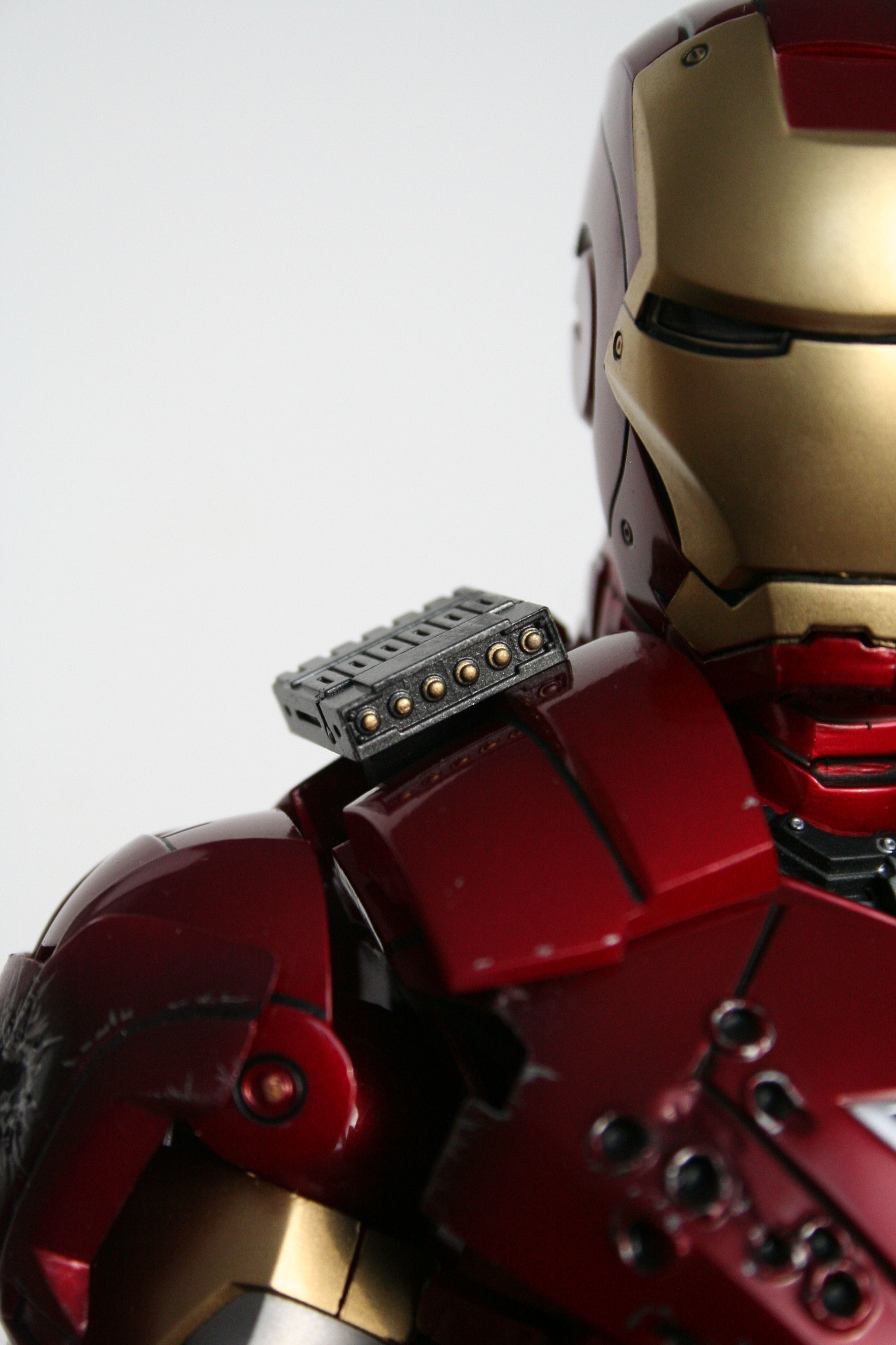 Tales To Astonish » Review: Hot Toys Iron Man – mark VI